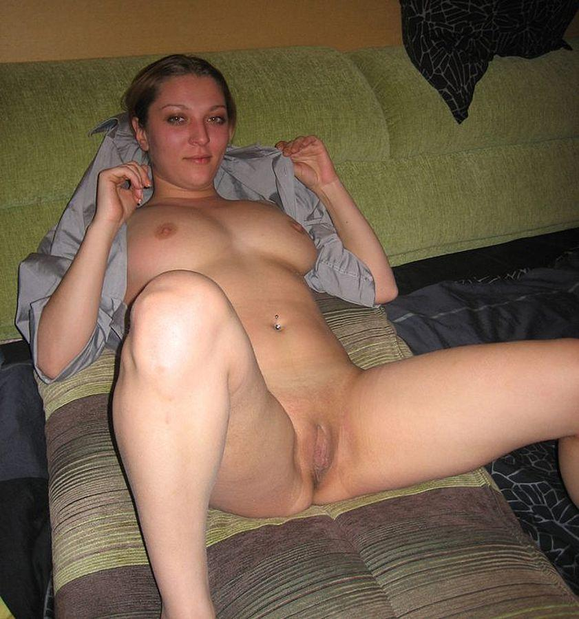 Attractive mature lady solo
